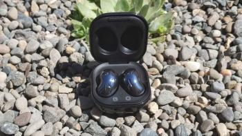 Samsung Galaxy Buds Live vs Galaxy Buds +: bønner eller knopper?